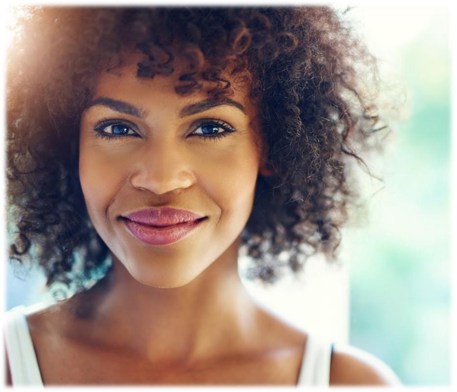 mulher a sorrir